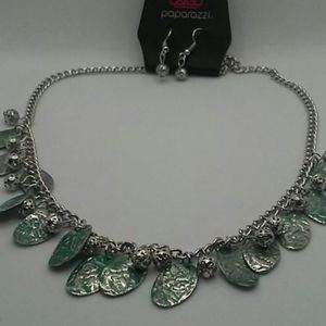 Paparazzi necklace/ teal /silver/